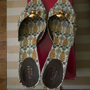 Gucci Pineapple Print Shoes Size 9B Cute Heels